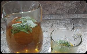 Kmynų gėrimas su mėtomis